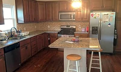 Kitchen, 2820 Patterson St, 0