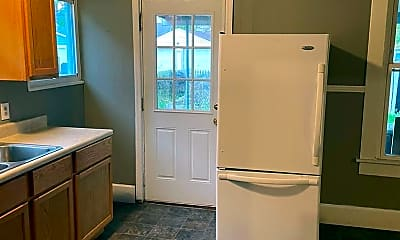 Kitchen, 2124 Singleton St, 2