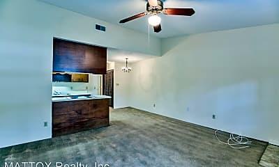 Living Room, 3112 Mission Rd, 1