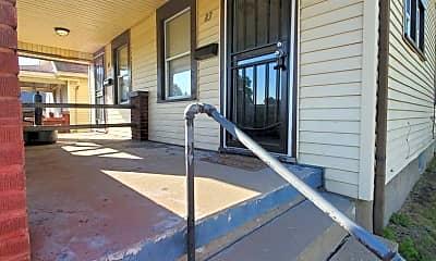 Patio / Deck, 81 E Hillcrest Ave, 1