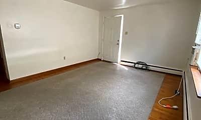 Living Room, 531 New Alexandria Rd, 1