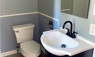 Bathroom, 429 Stinaff St 1, 2