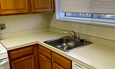 Kitchen, 10512 Weymouth St, 1
