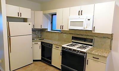 Kitchen, 817 24th St 2R, 1