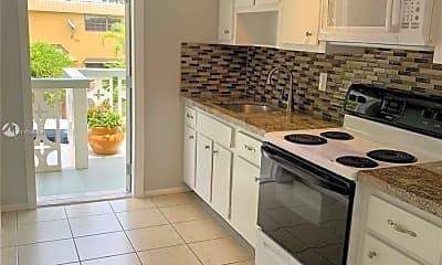 Kitchen, 604 NE 29th Dr H, 2