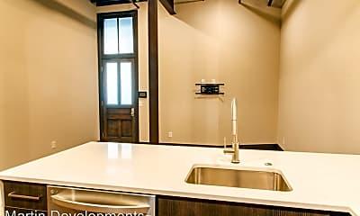 Bathroom, 401 NW 2nd St, 1