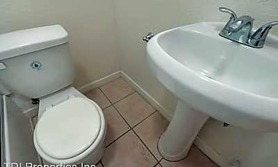 Bathroom, 2622 Brighton Ave, 2