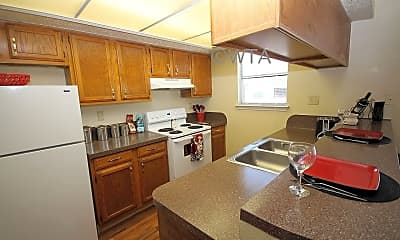 Kitchen, 2100 Willowbend Dr, 0