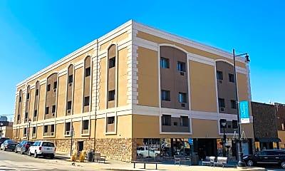 Building, 22 Main St S, 1
