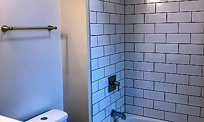 Bathroom, 2939 N Kedzie Ave, 2