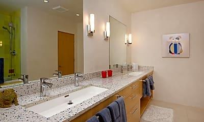 Bathroom, 991 Moore Dr, 2