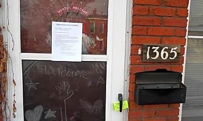 Community Signage, 1365 Indianola Ave, 0