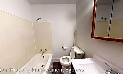 Bathroom, 829 S Dakota Ave, 2