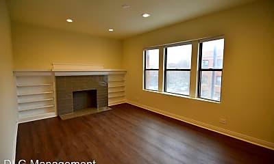 Living Room, 1900 W Montrose Ave, 1