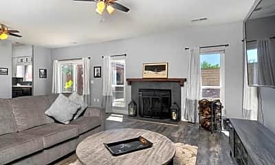 Living Room, 726 Lourence Ct, 1