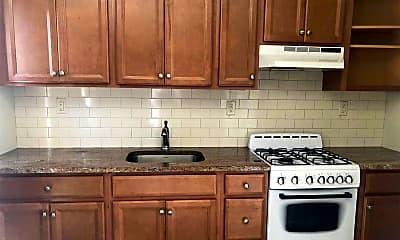 Kitchen, 167 W Broadway 6, 1