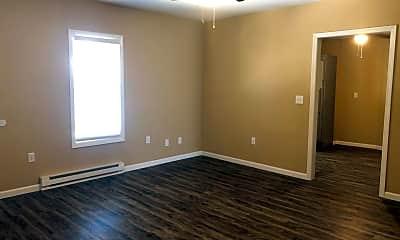 Bedroom, 101 S McLean St, 1