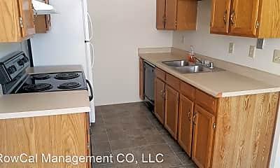 Kitchen, 999 Magnolia St, 1