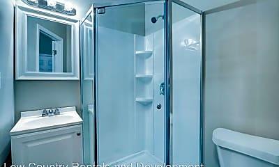 Bathroom, 668 E 32nd St, 1