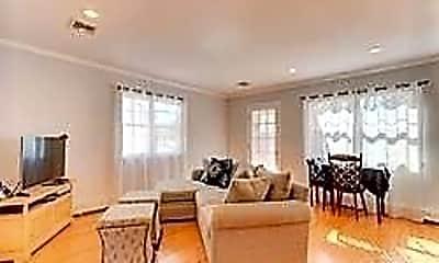 Living Room, 569 W Park Ave MAIN, 1