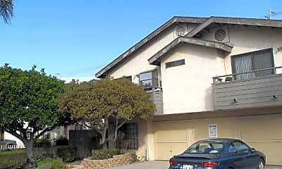 Building, 4355 Utah St, 1