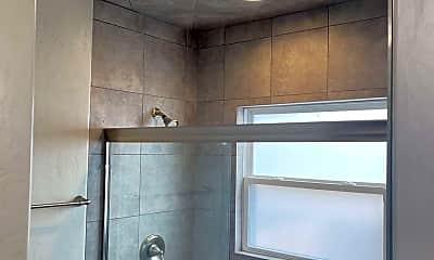 Bathroom, 931 Divisadero St, 2