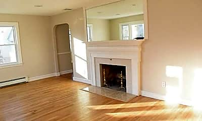 Living Room, 595 Admiral St, 1