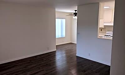 Living Room, 34102 La Serena Dr, 0