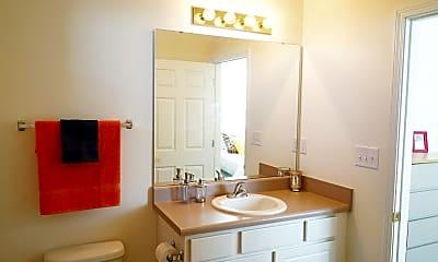 Bathroom, Campus Evolution Villages West, 2