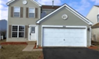 Building, 643 Springwood Drive, 1