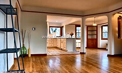 Living Room, 7431 N Washburne Ave, 0