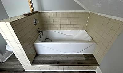 Bathroom, 926 Randolph St, 2