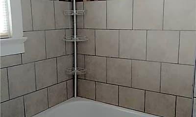 Bathroom, 711 General Pershing St B, 2