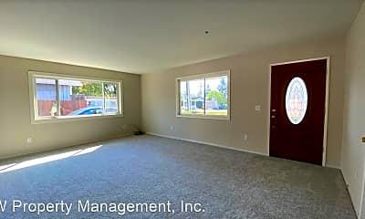Living Room, 222 Brittain Ln, 1