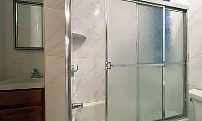 Bathroom, 587 W 177th St 4, 2