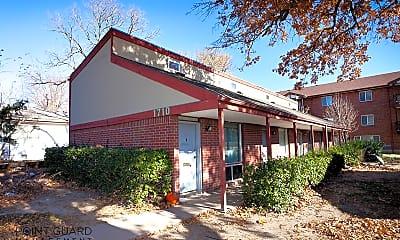 Building, 1710 N Harvard Ave, 2