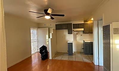 Living Room, 5411 Fishburn Ave, 1