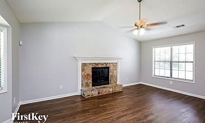 Living Room, 940 Forest Park Ln, 1