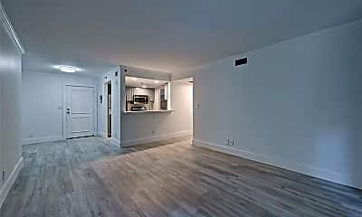 Living Room, 3525 Sage Rd 205, 1