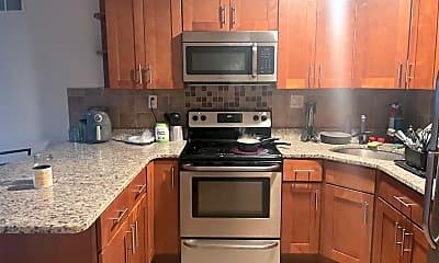 Kitchen, 7008 Forrest Ave, 1