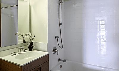 Bathroom, 44-72 11th St, 2