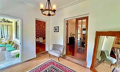 Living Room, 1644 Onaway Dr, 0