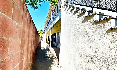 Building, 1249 N Edgemont St, 2