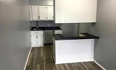 Kitchen, 1713 NW Pine Rd, 2