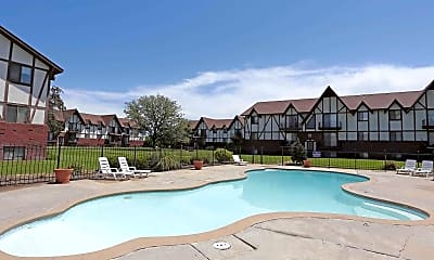 Pool, Village Park at Kingsborough, 2