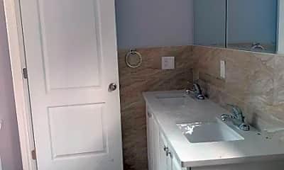 Bathroom, 203 Schuyler Ave, 2