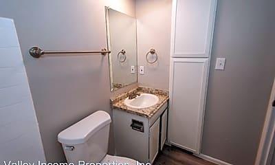 Bathroom, 6324 N Black Canyon Hwy, 2