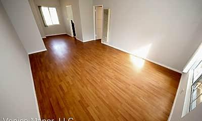 Living Room, 542 S Venice Blvd, 1