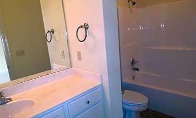 Bathroom, 910 Jefferson Dr, 2