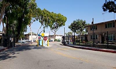 Mar Vista Gardens, 1